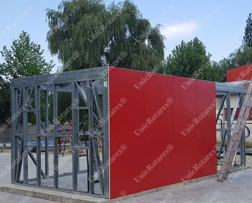 Container with steel structure