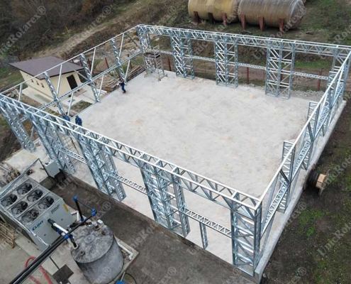 Assembling of steel structure on concrete slab