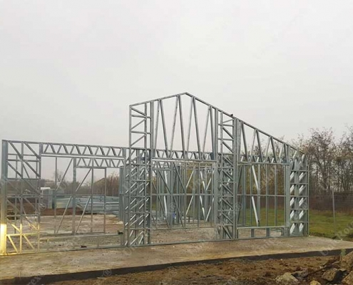 Steel structure for house assembling phase