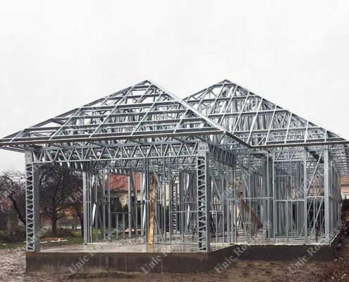 Steel structure for house in Hungary