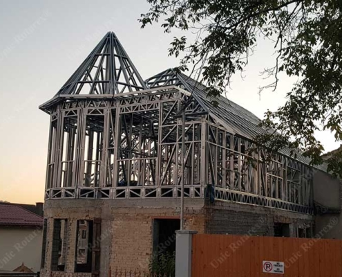 Lightweight steel structure for house vertical extension