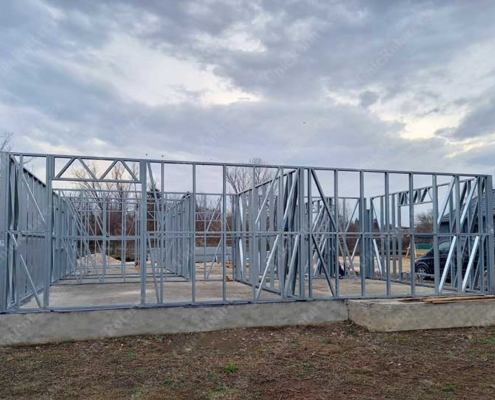 Assembling of lightweight steel structure