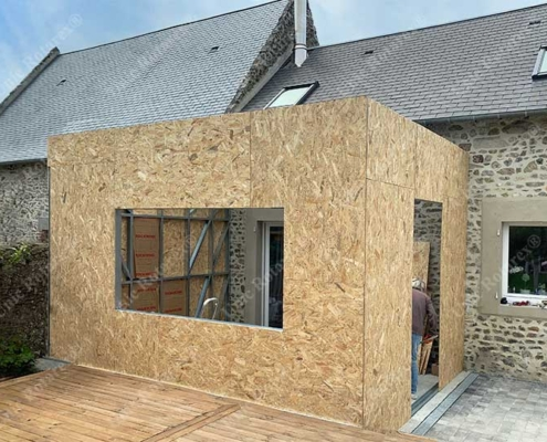 Steel structure for house extension in France