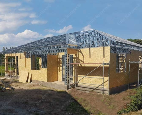 Steel structure for house plated with OBS