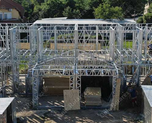 Suplex house with steel structure